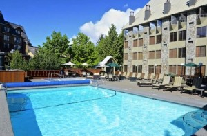 Executive Inn Whistler Pool