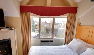 Pinnacle Hotel Whistler Room