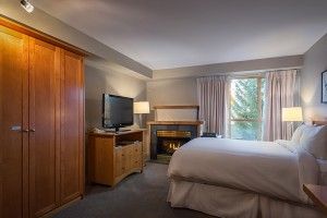 Whistler Peak Lodge Room